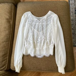 Bebe embroidered georgette top size XXS